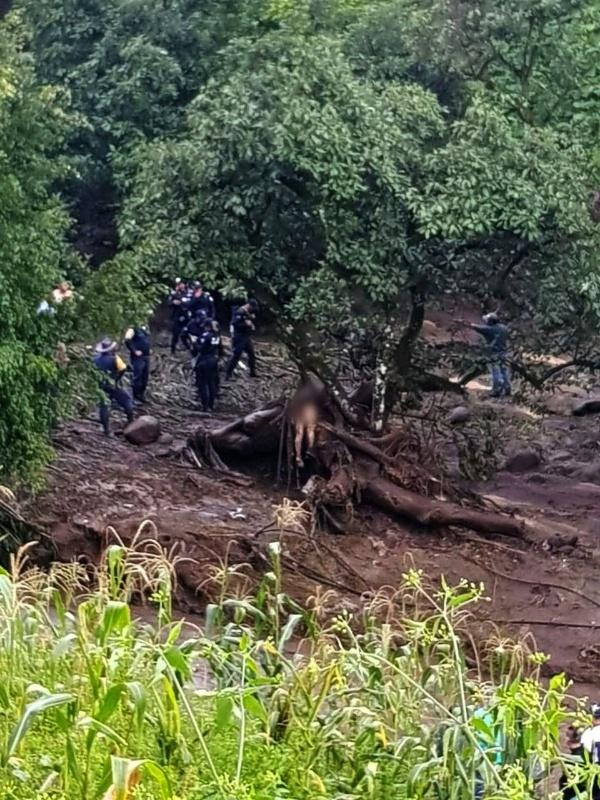 Se desbordan dos ríos en Peribán, hay un muerto y varias afectaciones