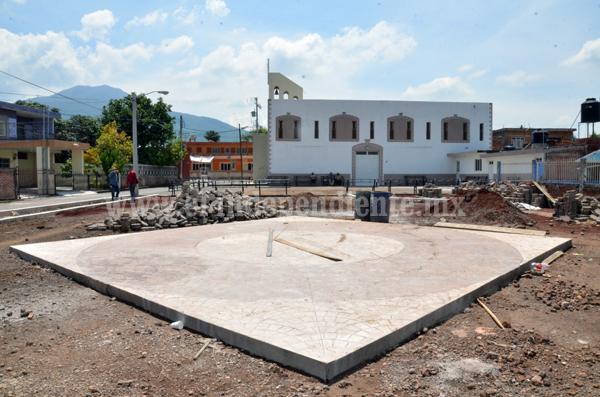 Gobierno Municipal realiza construcción de plazoleta en el Ojo de Agua