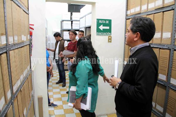 Alumnos de Gastronomía visitan el Archivo histórico Municipal