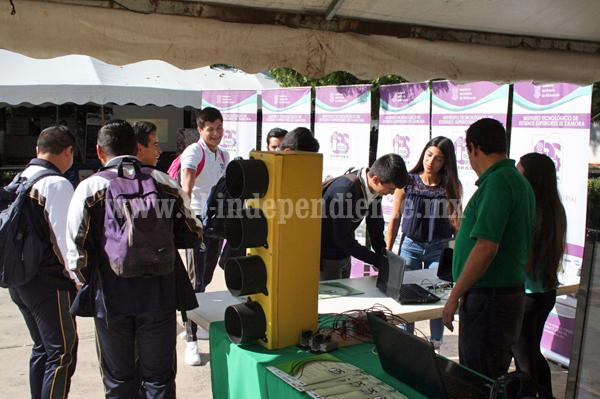 Alumnos del CBTis 52 prefieren ingresar al Tec Zamora