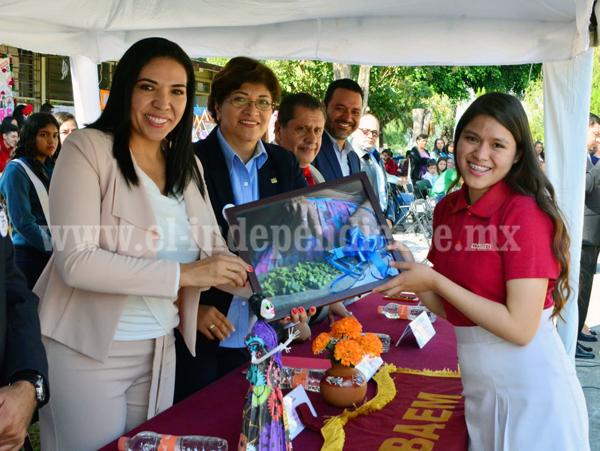 ADRIANA CAMPOS PRESENTE EN EL 35 ANIVERSARIO DE LA FUNDACIÓN DEL COBAEM JACONA