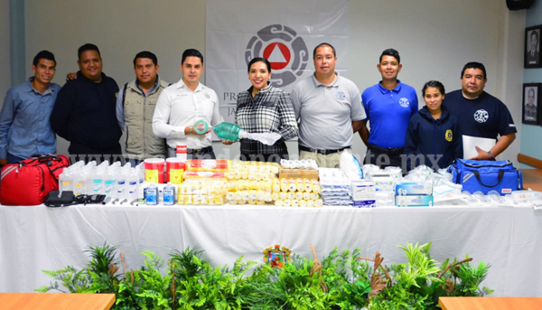 PROTECCIÓN CIVIL Y BOMBEROS DE JACONA RECIBEN MATERIAL DE CURACIÓN POR AUTORIDADES