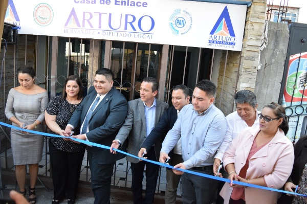 ARTURO HERNÁNDEZ INAUGURA CASA ENLACE EN ZACAPU