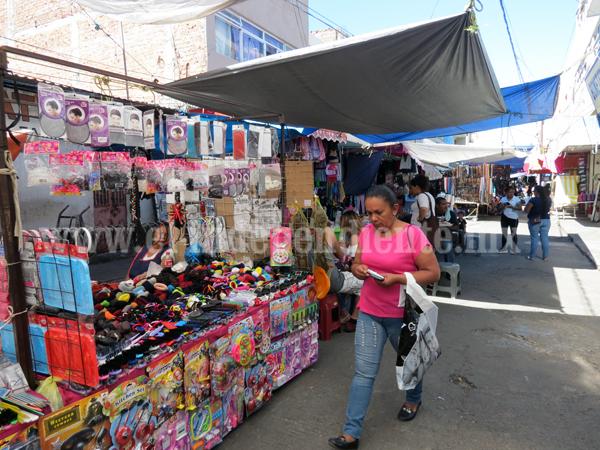 Revisarán zonas de ambulantes en mercados para evitar incendios propiciados por pólvora