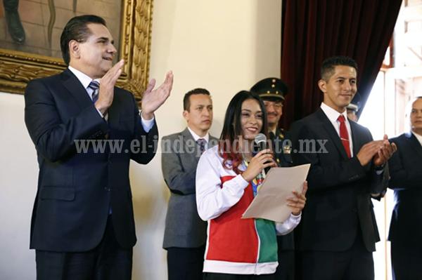 Entrega Gobernador Premio Estatal del Deporte a judoca Daniela Rodríguez