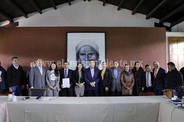 Trabajo en equipo, para resolver retos de Michoacán: Silvano Aureoles