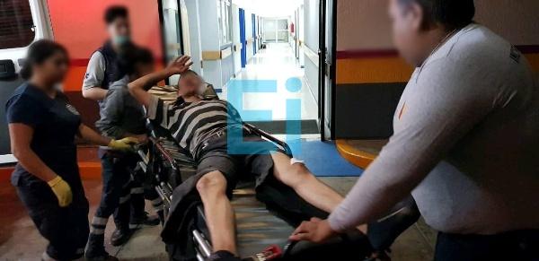 Dos heridos a machetazos durante riña en Los Sabinos