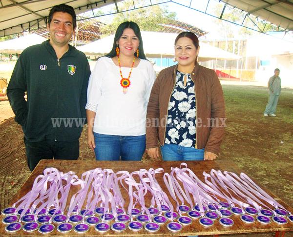 Primer festival de atletismo entre estudiantes de Primaria