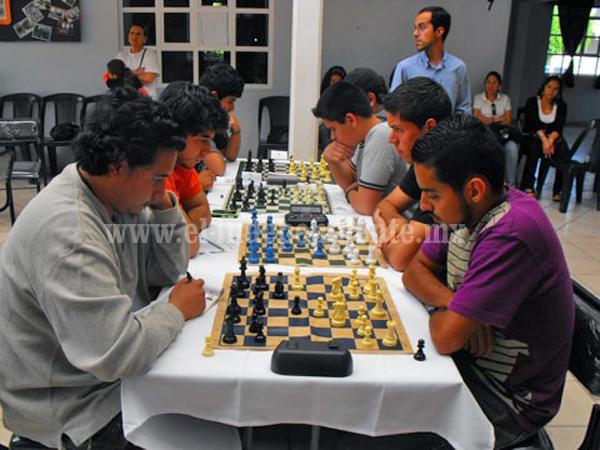 Invitan al primer torneo de ajedrez en Tangamandapio