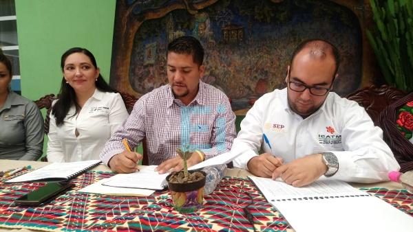 Santiago Tangamandapio busca abatir desempleo con capacitación para el trabajo