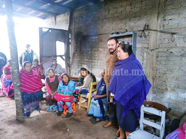 Promueve el IAM el uso de esmalte libre de plomo entre las y los alfareros de Michoacán