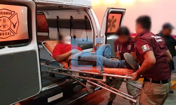 Hombre es baleado afuera de su hogar en Jacona y queda malherido