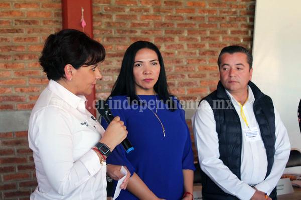 ADRIANA CAMPOS COMPROMETIDA EN EL SECTOR SALUD POR LOS JACONENSES