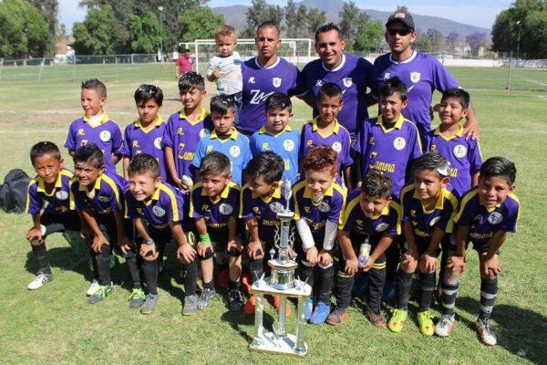Zamora es campeón del torneo estatal sub-8