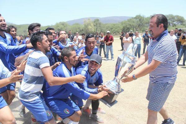 Con éxito se desarrolló el tradicional Torneo de Futbol de Semana Santa en Ixtlán