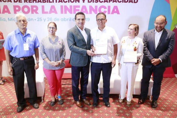 Garantizar una infancia segura para tener buenos ciudadanos: Silvano Aureoles