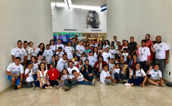 Festejó la AC De La Mano con Zamora a niños de escasos recursos