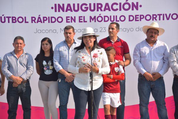 ALCALDESA INAUGURA CANCHA DE FÚTBOL RÁPIDO EN EL DISPARATE