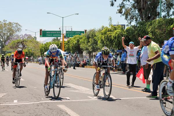 Gobierno Municipal apoya Primer Carrera de Ciclismo de Ruta
