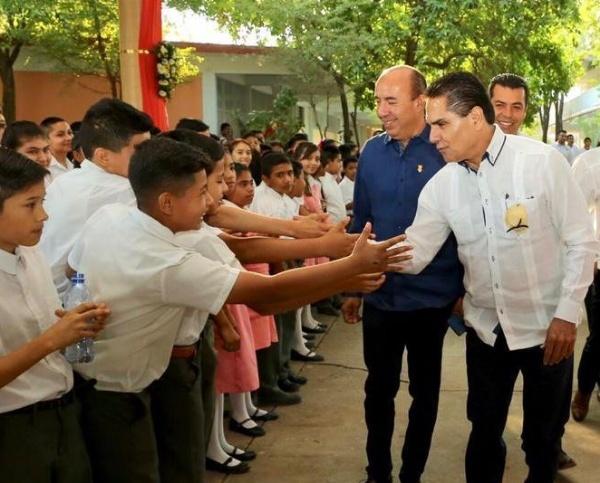 Siempre seré un aliado de la educación y de los maestros: Silvano Aureoles