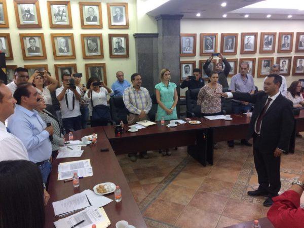 Cabildo nombra a nuevo Tesorero Municipal y de Director de Seguridad Pública Municipal