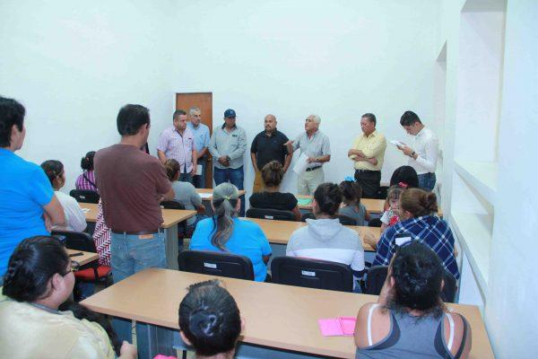 Gobierno Municipal atiende a vecinos de colonia Francisco Javier Mina
