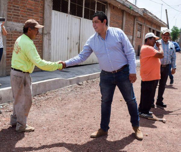 Alcalde Rafael Melgoza supervisó obra en Ruíz Cortines, Tangancícuaro