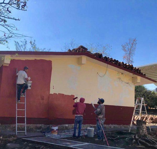 Gira instrucciones alcalde para realizar obras en medio centenar de planteles educativos de Ecuandureo