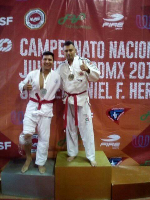 Zamorano Jorge Ulises Tinoco logró medalla de oro en el 16° campeonato nacional de jiujitsu