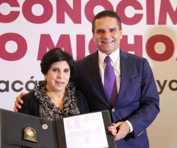 Certeza laboral, compromiso del Gobierno del Estado con las y los profesores: Silvano Aureoles
