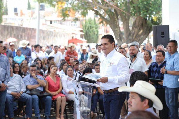 Después de una década en abandono, entrega Gobernador Centro de Salud en Contepec
