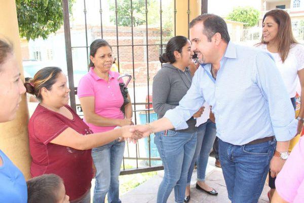 Ángel Macías realizó gira de trabajo por las comunidades El Rincón del Mezquite y Colongo en Ixtlán