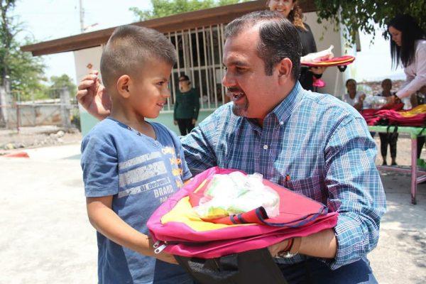 Educación es prioridad para el gobierno que encabeza Ángel Macías, presidente de Ixtlán