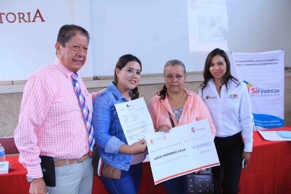 Gobierno local y Sí Financia realizaron Jornada del Financiamiento Se ofreció capacitación y entrega de créditos a mujeres