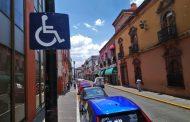 Sancionarán a quienes falsifiquen calcomanías de discapacidad para obtener privilegios