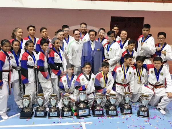Destacada actuación del equipo Moo-Duk Kwan Zamora en Copa Grand Master