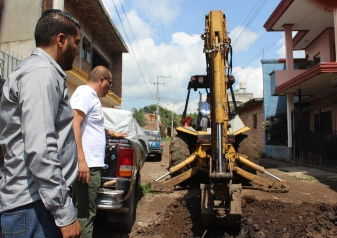 Alcalde atendió personalmente problemas de drenaje en Tangamadapio