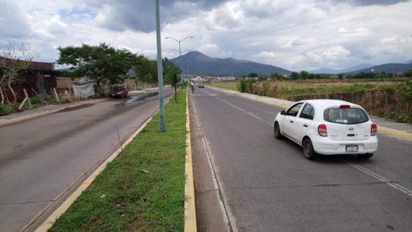 Vecinos de Arboledas, Río Nuevo y Fovissste denuncian carreras ilegales de autos