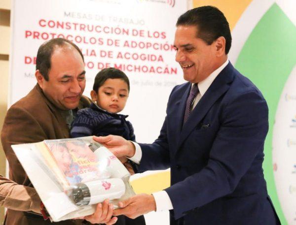 Fundamental, homologar procesos de adopción y familias de acogida: Gobernador