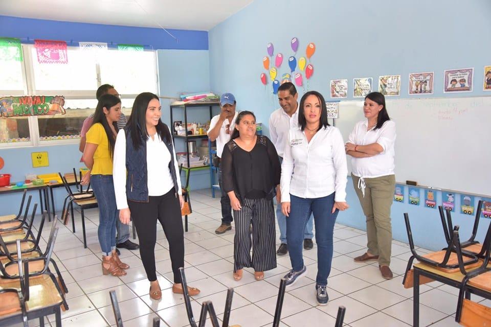 ADRIANA REALIZA GIRA DE TRABAJO EN ESCUELAS