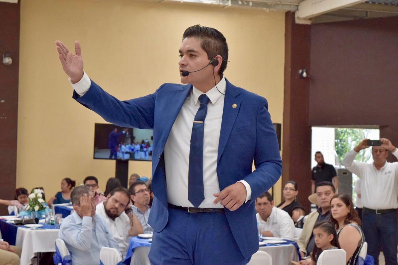 Arturo Hernández, un diputado que le cumple a la gente