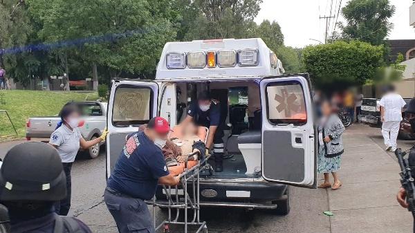 Hombre sobrevive agresión a balazos en Jacona