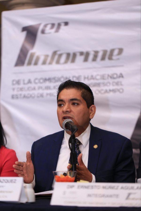 Preside Arturo Hernández informe de la Comisión de Hacienda y Deuda Pública