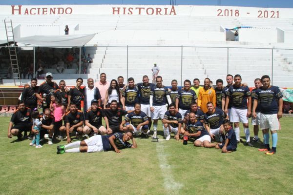 Barcel USA campeón del torneo de futbol interno de Bimbo