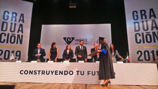 UNIVER  entrega a la sociedad 200 nuevos profesionistas