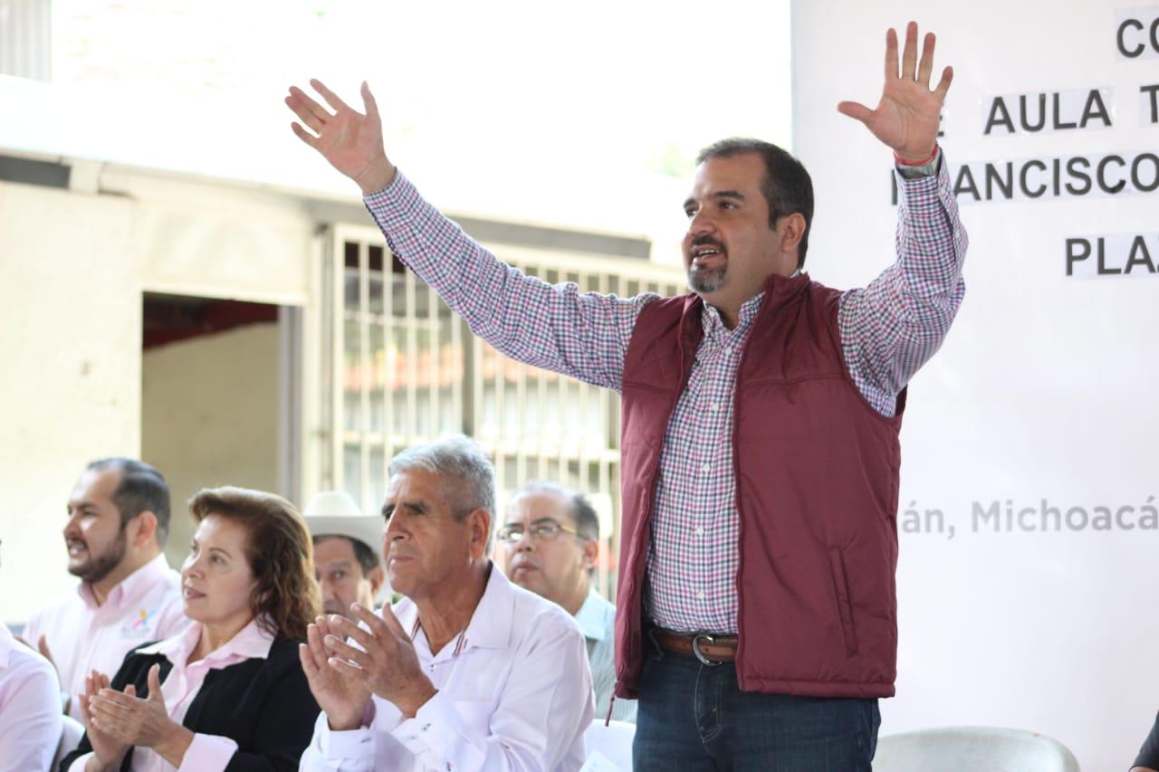 En Ixtlán iniciaron construcción de aula escolar en comunidad de Plaza del Limón