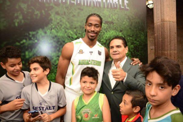 """Presentan a equipo Aguacateros de Michoacán con """"Corazón Inquebrantable"""""""