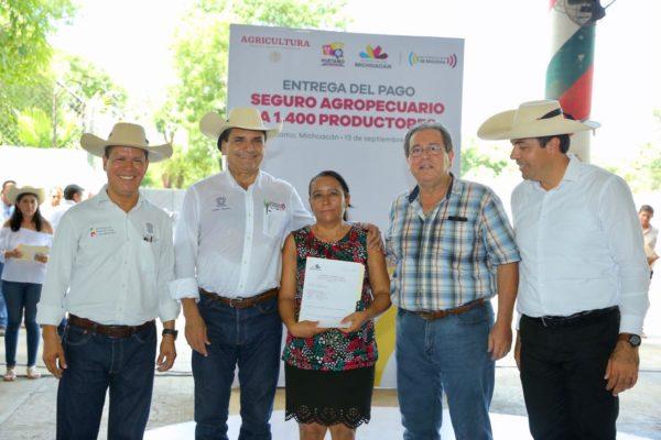 Asegurar los cultivos debe de ser una práctica permanente: Gobernador