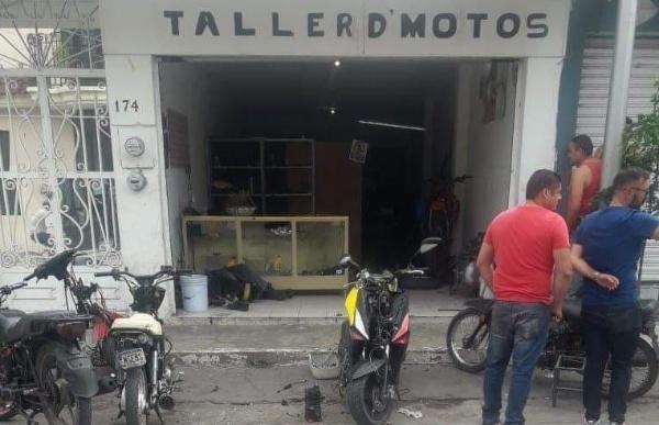 Cuatro hombres son asesinados a tiros en taller de motos en Sahuayo