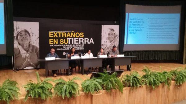 Campesinos mexicanos, extraños en su tierra: Académicos
